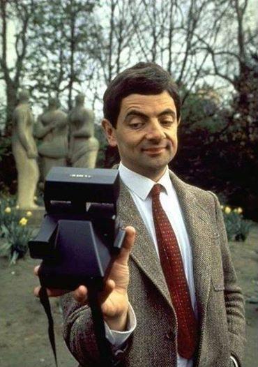 Mr Bean maakt een Polaroid Selfie