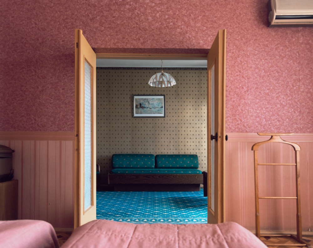 Stephen Shore, Room 509, Dnipro Hotel, July 2012