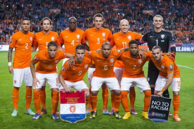 Elftalfoto Oranje voor de wedstrijd tegen Kazachstan 2014