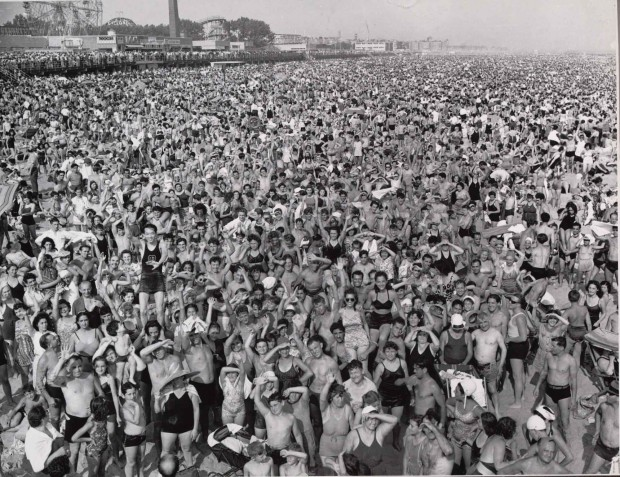 Weegee, Coney Island Beach 1940